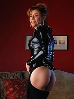 Hot tranny in hot latex costume toying her tight asshole