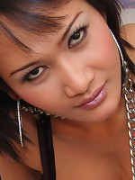 Ladyboy Lilly using SM-tools in freaky sex-play