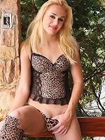 Hot blond Latina tranny!